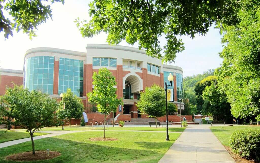 university of tennessee essay Admissions do you have what it takes to become a volunteer the flagship campus of the university of tennessee system and partner in the tennessee transfer.