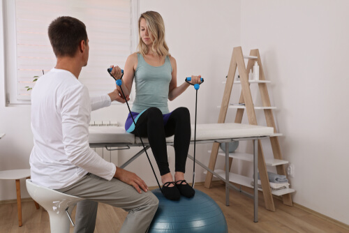 What is the Career Outlook in Kinesiology