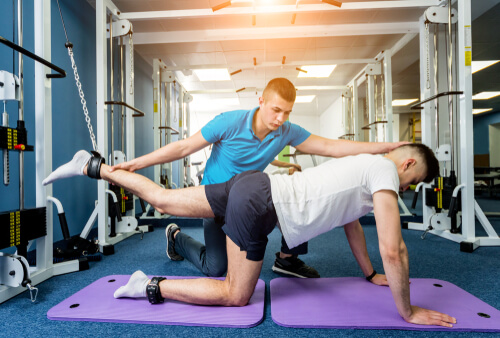 What Courses Do I Need to Take to Get a Job in Sports Medicine?